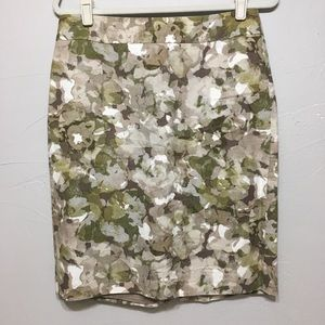Banana Republic Green Leaf Camo Lined Pencil Skirt